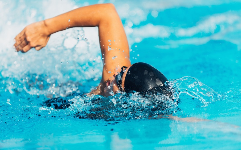 5 Swimming Strokes to Try This Summer