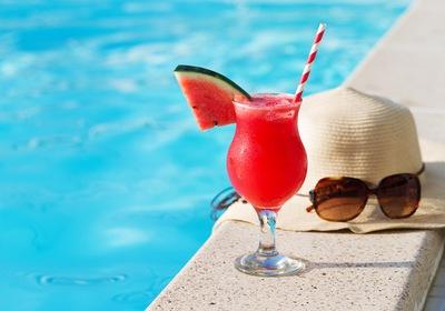 5 Refreshing Poolside Treats for Summer