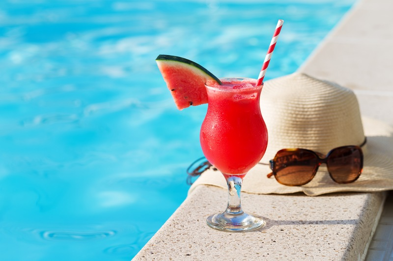 5 Refreshing Poolside Treats for Summer