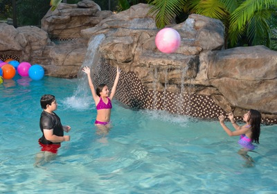 Daytona Pools: When Should Your Child Take Swimming Lessons?