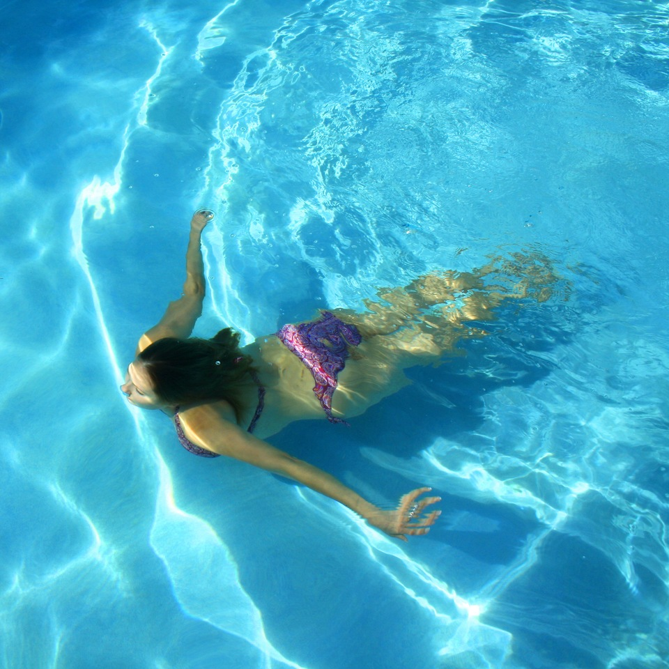 The Health Benefits of a Florida Swimming Pool
