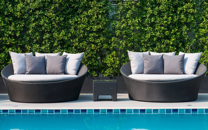 4 Geometric-Inspired Pool Décor Ideas